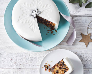 Specially Selected Luxury Iced All Over Christmas Cake 1kg