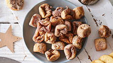 Specially Selected Sundried Figs 375g