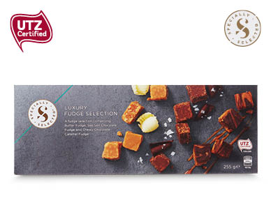 Specially Selected Luxury Fudge Selection 255g